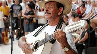 O violeiro José Soares da Silva, o 'Zé da Viola', que será homenageado no Prêmio Mestre Cultura Viva