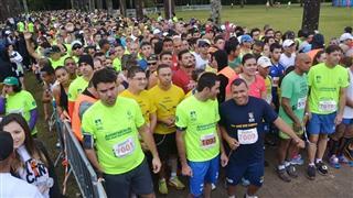 Atletas correndo