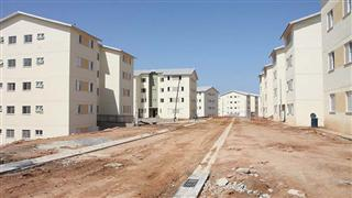 A visita foi feita em várias regiões da cidade onde estão sendo construídas moradias, como região norte, leste e Pinheirinho dos Palmares