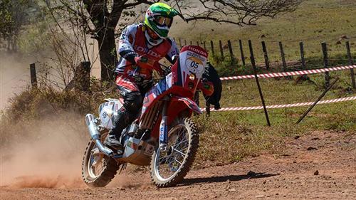 Piloto de moto Jean Azevedo