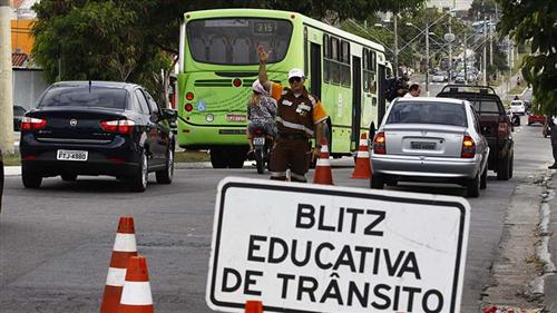 Blitz educativa de trânsito
