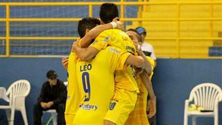 São José Futsal jogando contra o Mogi, no Tênis Clube, em São José dos Campos