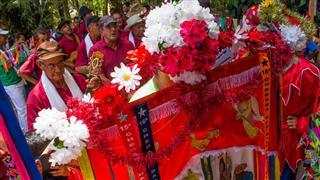 As apresentações das Folias de Reis foram acompanhadas de perto pelo público que anualmente comparece e prestigia a atividade
