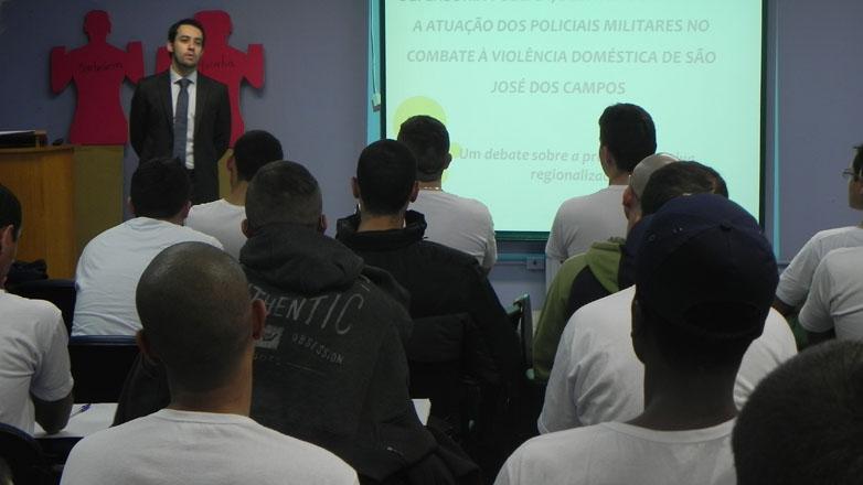 Os aspectos da lei Maria da Penha foram elucidados pelo defensor público da Vara da Violência Contra a Mulher, Julio Azevedo