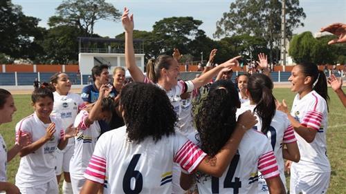 O futebol feminino obteve ouro e o masculino foi vice-campeão durante os jogos regionais realizados em Taubaté
