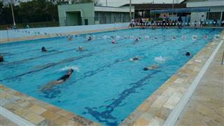 Imagens mostram cerimônia de entrega da piscina do Altos de Santana