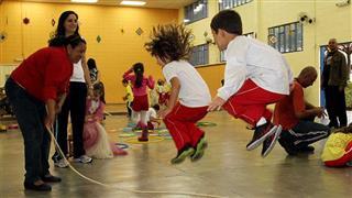 O público poderá participar de brincadeiras populares, rodas de conversa, oficinas e atividades que refletem a importância do brincar