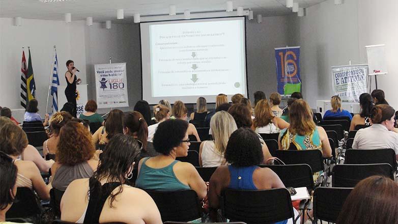 As mulheres também poderão tirar dúvidas e participar de eventos, que serão abertos ao público. Todas as atividades são gratuitas
