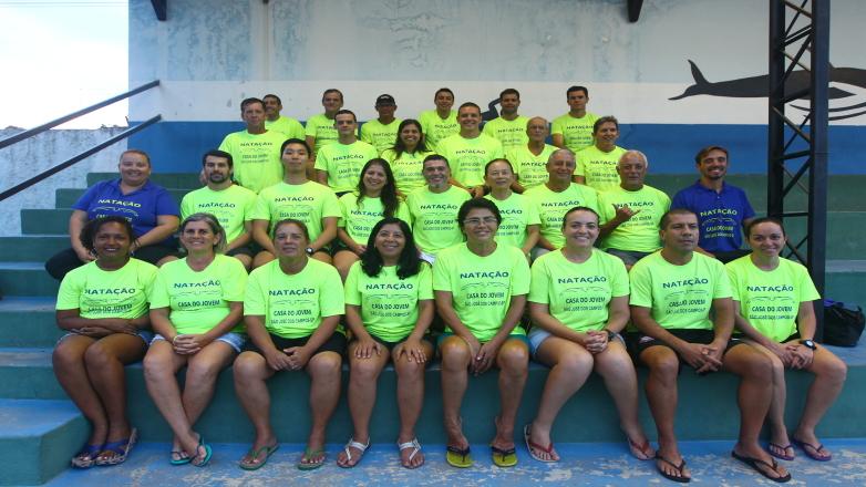 Nadadores da equipe master joseense em treino na Casa do Jovem