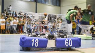 Ensaio geral dos robôs das 3 equipes joseenses