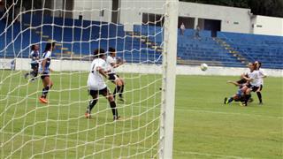 Lance do jogo entre São José e Corinthians no Martins Pereira