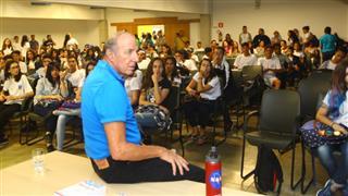 Na sexta-feira (17), quase 400 alunos da rede municipal de ensino de São José dos Campos participaram de palestras e oficinas gratuitas