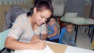 Joyce Fonseca com os dois filhos