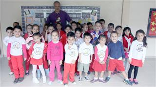 Paulo Sérgio de Oliveira com alunos