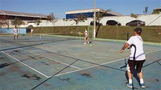 Seletiva de tênis realizada no Poliesportivo Altos de Santana
