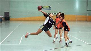 Seletiva de handebol feminino realizada no Poliesportivo Altos de Santana