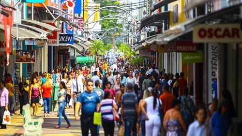 Calçadão da Rua 7 de Setembro: tradicional endereço de compras do comércio popular