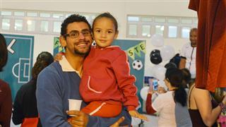 Pais, alunos e funcionários
