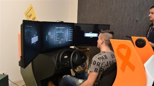 Durante a exposição, os visitantes poderão usar um simulador para testar a direção e comprovar como os efeitos da bebida alteram os reflexos ao volante