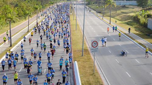 Foram disponibilizadas 2.300 vagas para os corredores que disputarão provas de 5km, 10km e 5km PCD (pessoa com deficiência)
