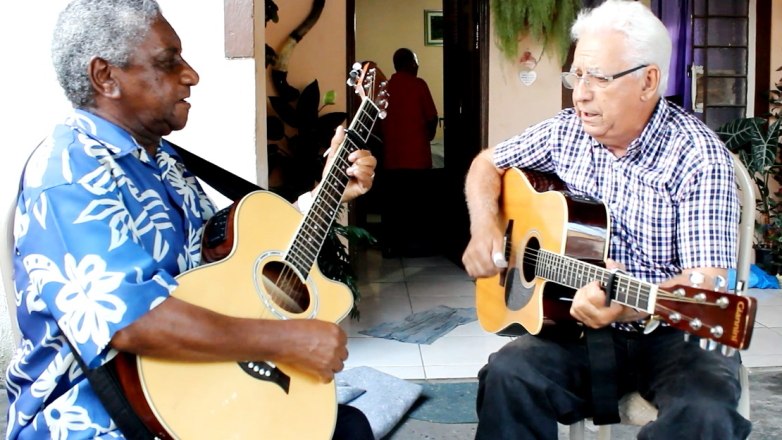 Tarcísio Paulo e Antonio Francisco Silva, formam a dupla de violeiros Venito e Toni Franc, de Jacareí, que participará neste domingo
