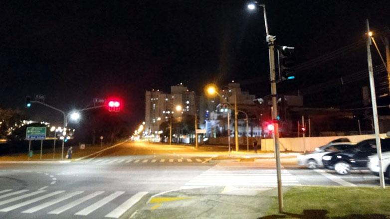 Os primeiros locais a receberem a iluminação foram a avenidas Major Miguel Naked e São João