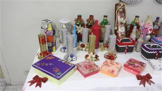 Durante todo este ano elas participaram de oficinas de artesanatos e as produções ganharam destaque com uma exposição